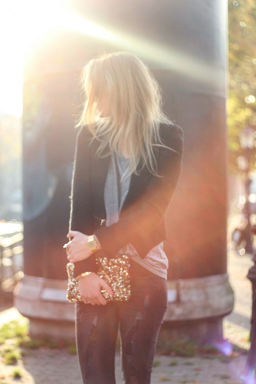 zara jacket-zipper jacket-mango distressed jeans-sequined clutch