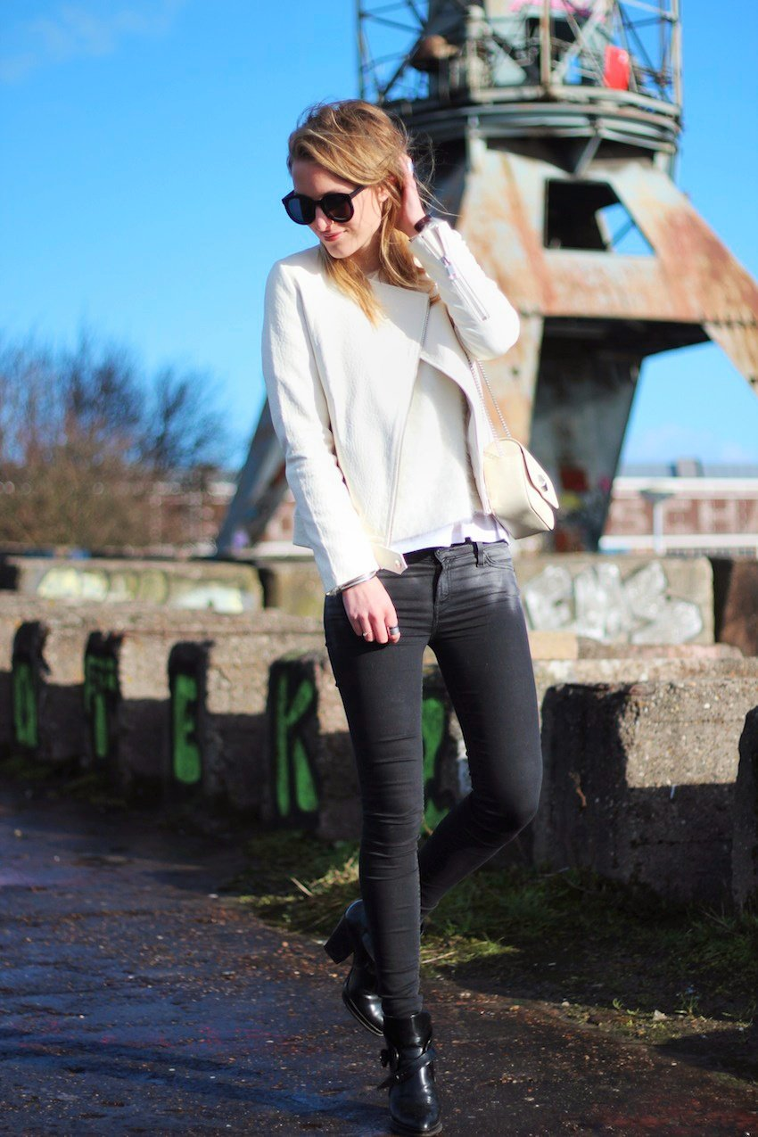 white-leather-zara-jacket-jeans-skinny-white-leather-bag-karen-walker